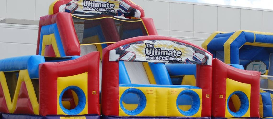 inflatable-obstacle-course-1455632_960_720